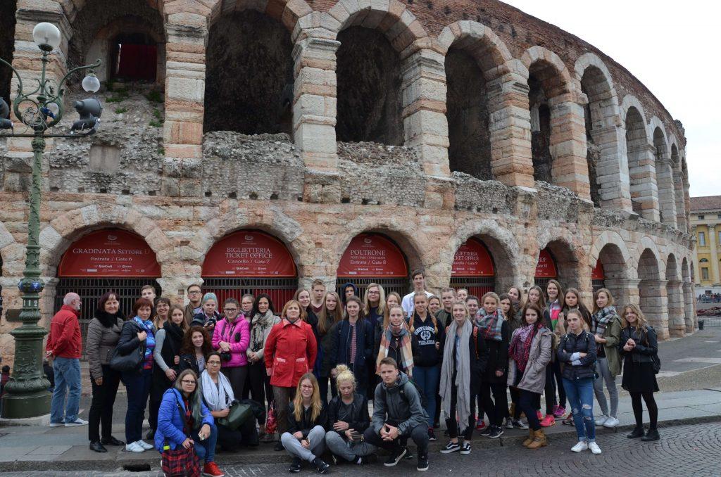 Audzēkņi izzinošā ekspedīcijā Itālijā.